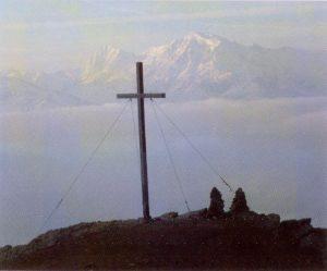 Gipfelkreuz des Piz Lun