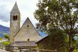 Kirche St.Cäsarius und Kapelle SS Cosmas und Damian in Laatsch